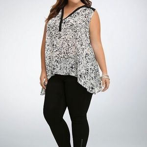 Torrid Abstract Dot Sharkbite Tank Top